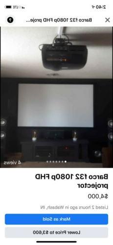 Barco F32 With